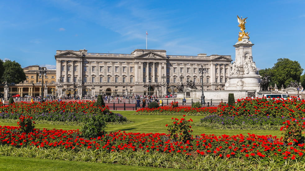 10 fascinating facts you might not know about buckingham palace boundless by csma. Black Bedroom Furniture Sets. Home Design Ideas