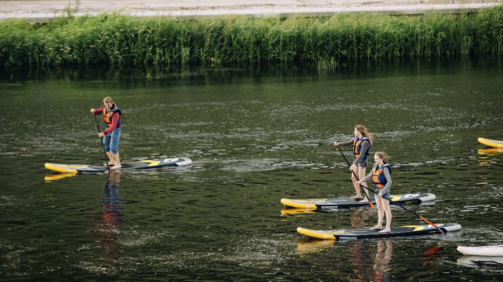 Learn how to stand up paddle board near Cheltenham