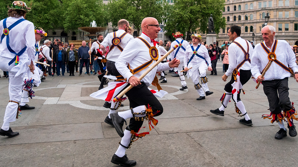 25-free-things-to-do-December-morris-dancing