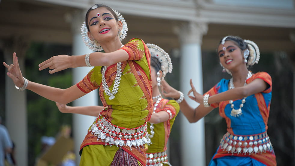 Best dance classes Bollywood dancers