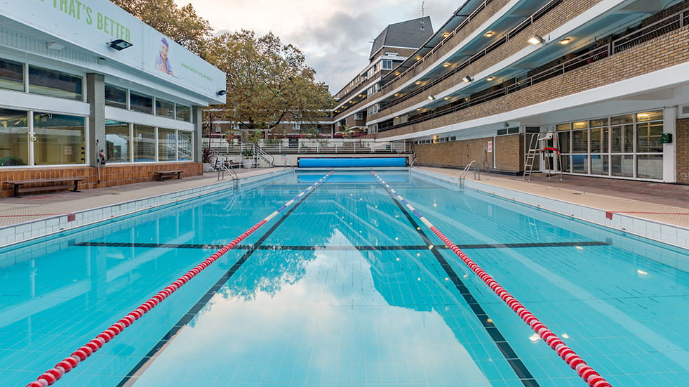 Best lidos and outdoor swimming pools: Oasis Sports Centre