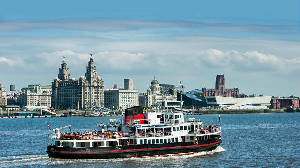 Boundless Social Breaks and Holidays Group: Mersey Ferries in front of the Liver Building
