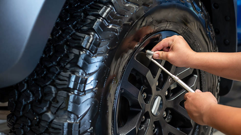 Car maintenance tips and tricks; inflating tyres