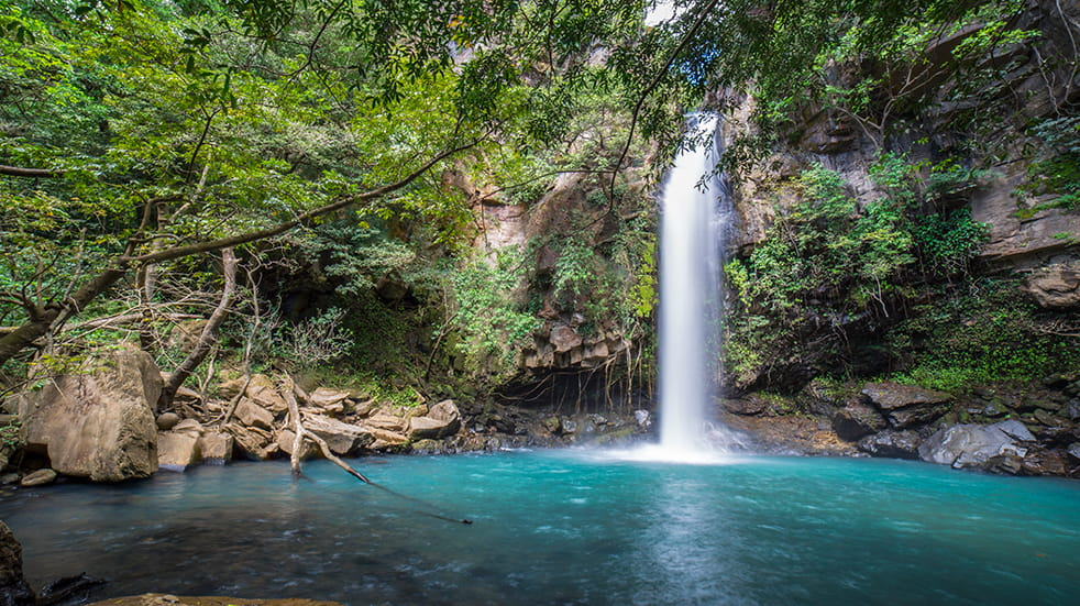 Explore Costa Rica: five unmissable experiences – La Cangreja waterfall
