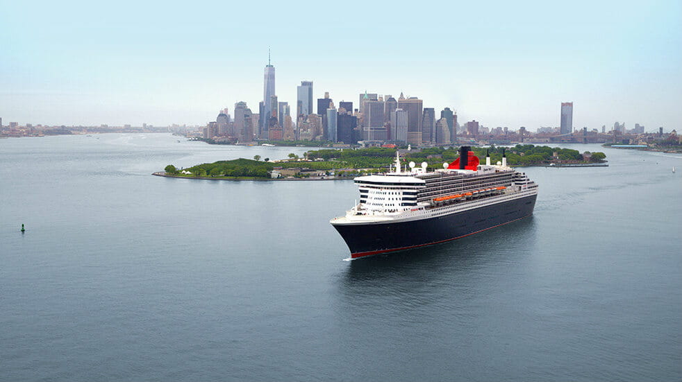 Cunard cruise guide: QE2 ship leaving New York