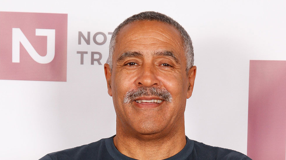 Walking tips with Daley Thompson