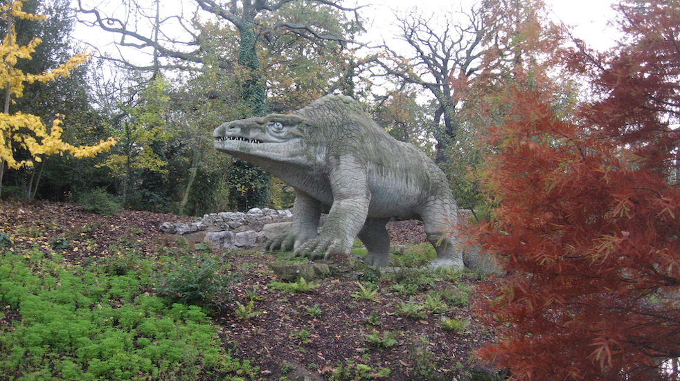 Free dinosaur days out: visit the dinosaurs in Crystal Palace Park
