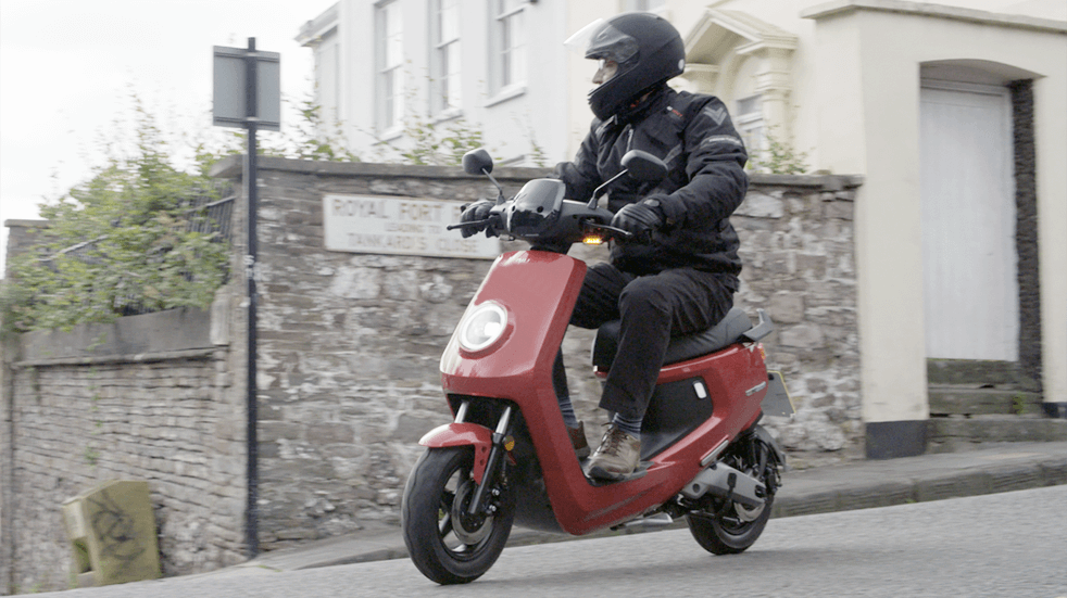 Electric motorbike and scooter reviews: NIU M+