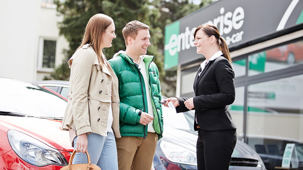 Enterprise car rental: hire a car from railway stations and airports