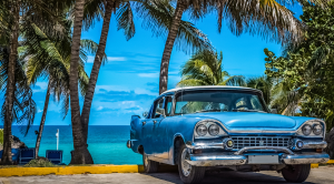 Expert guide to Cuba - sea and classic car