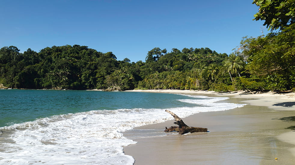 Explore Travel guide: Costa Rica beach