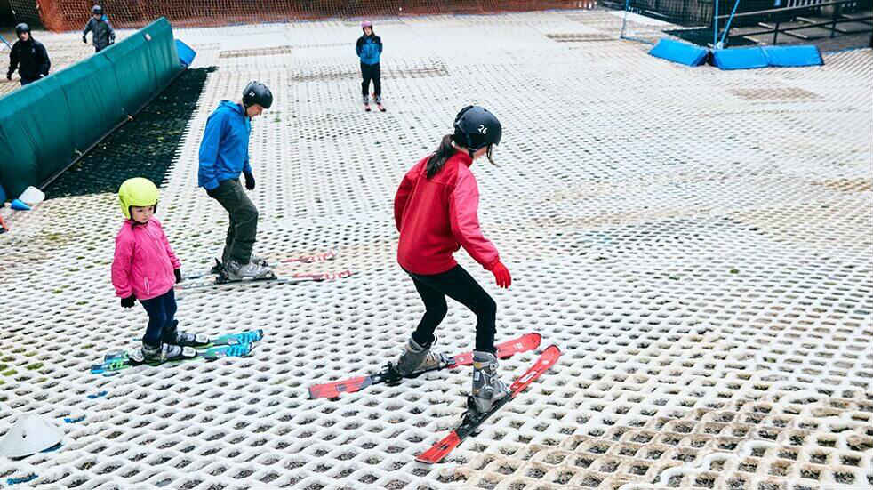 Learn to ski as a family: lessons at Mendip Snowsport Centre