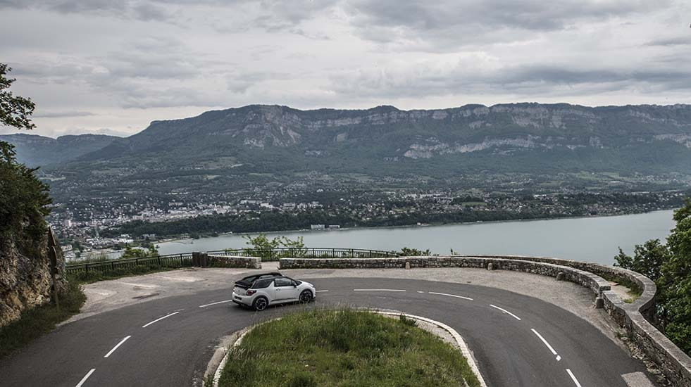 Our DS 3 descends the Col de Chat