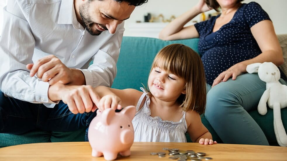 How to save money on Christmas: a family saving money