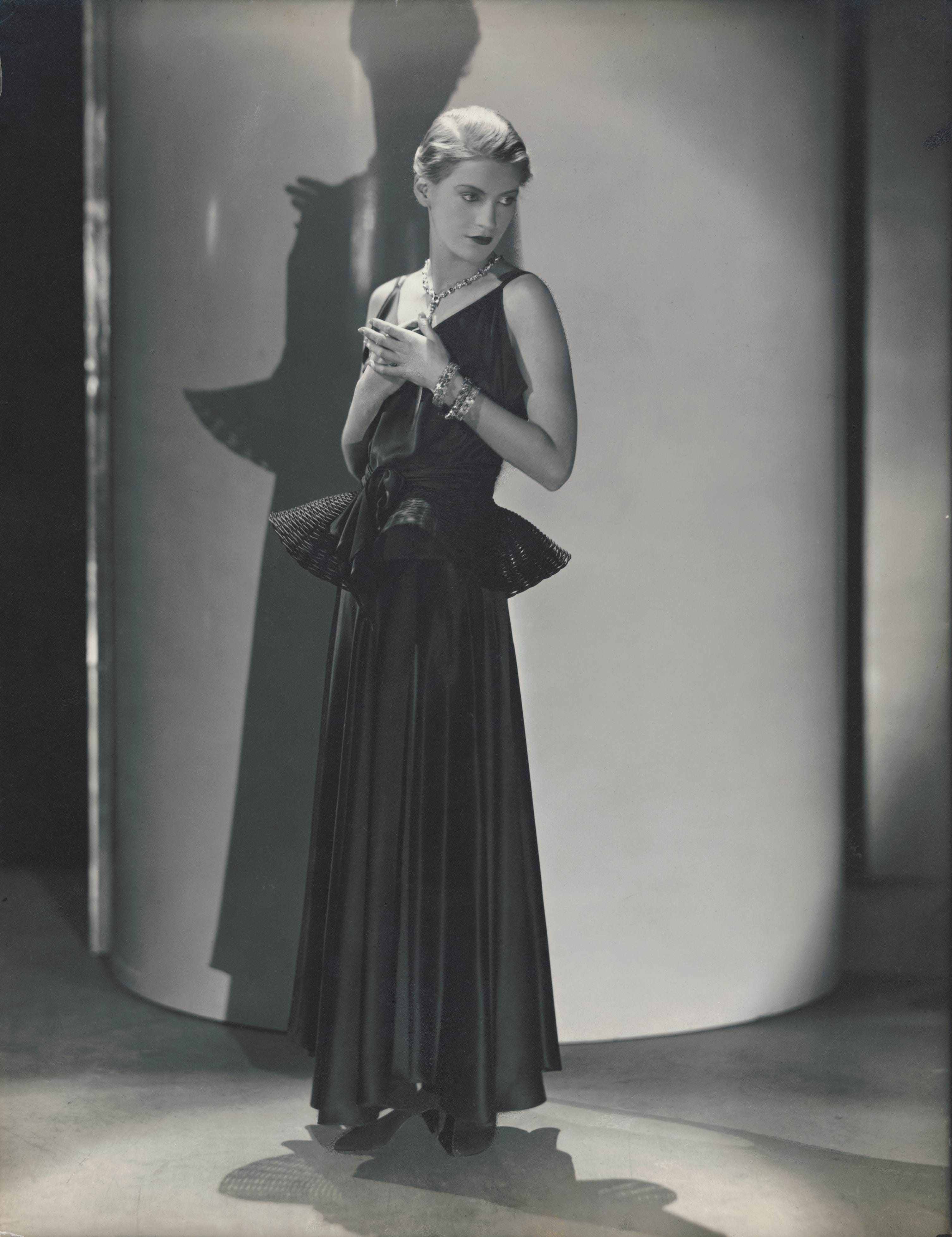 Lee Miller, modelling for Vogue in 1931