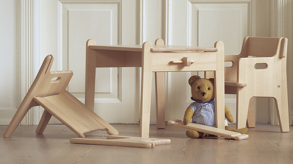 Nordic design for children Wegner Peters chair