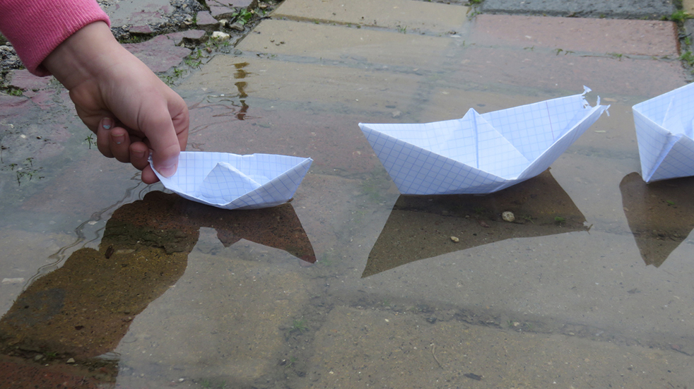 Rainy day activities for kids - float paper boats
