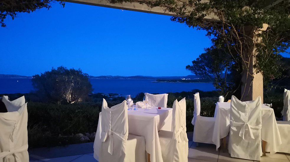 Sardinia travel guide: beach-front restaurant at Hotel Valle Dell'Erica