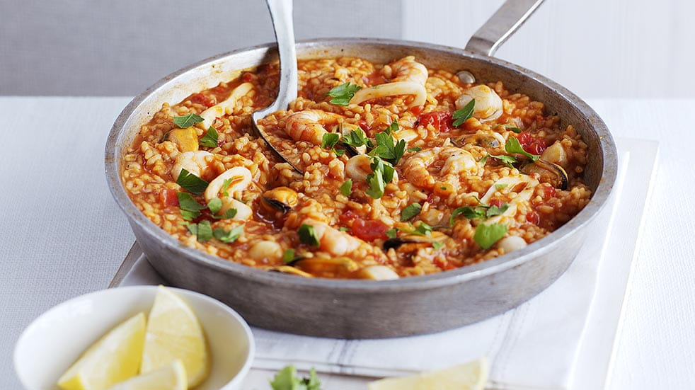 Store cupboard recipes; easy paella