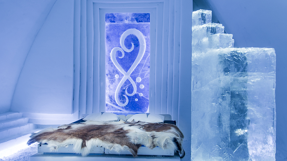 Sweden ice hotel: Art Suite Infinitlove