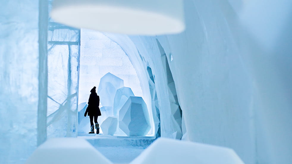 Sweden ice hotel: main hall