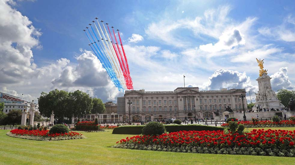 The Red Arrows history Buckingham Palace