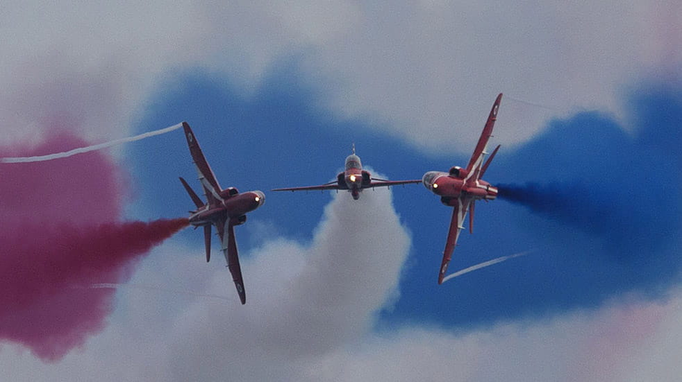 The Red Arrows history stunt