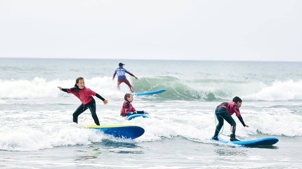 Bude surfing lessons: Treworgie Barton holiday cottages, Boundless Breaks