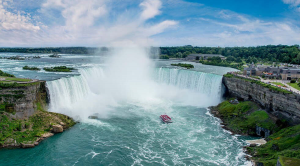 Canadia Sky holiday destinations Ontario: Niagara Falls cruise