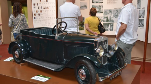 Large black model car in Transport Museum