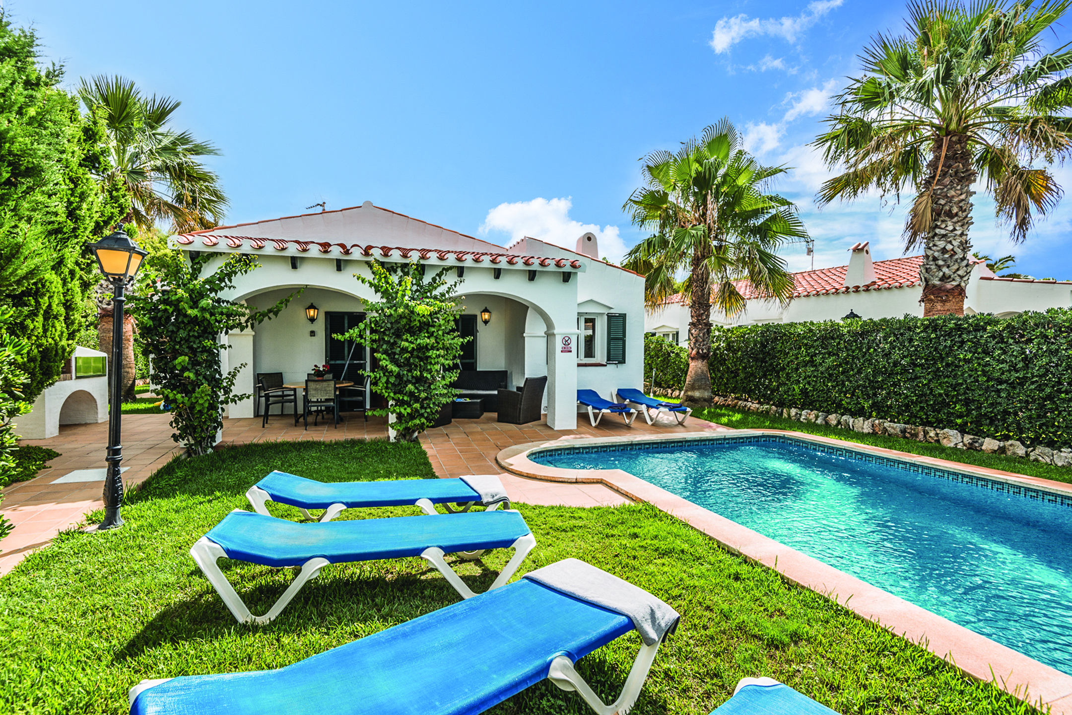 James villas holidays discount boundless by csma for Villas in uk with swimming pool